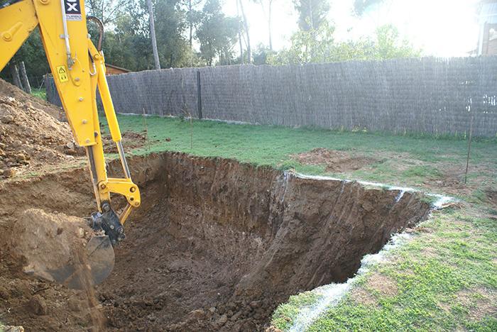 Construcci n piscina natural aragrup for Materiales para construir una alberca